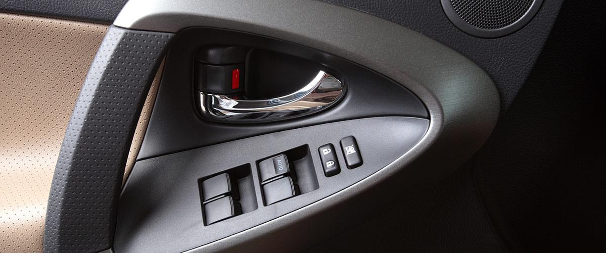 stampaggio termoplastico   componenti materiali plastici Automotive